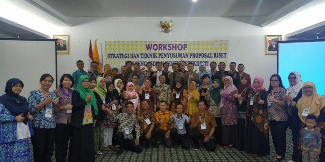 STIKES Eka Harap Palangka Raya Kirim Satu Dosen Dalam Peserta Workshop Hibah Bersaing Kemenristek Dikti, diselengarakan oleh Politeknik Piksi Ganesha Bandung